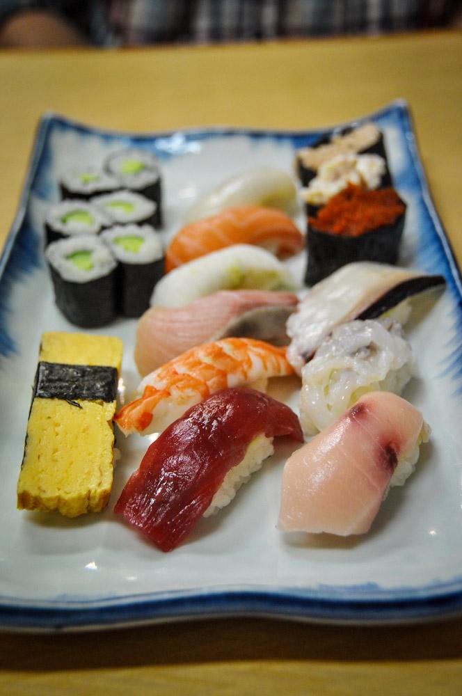 Nigiri style sushi