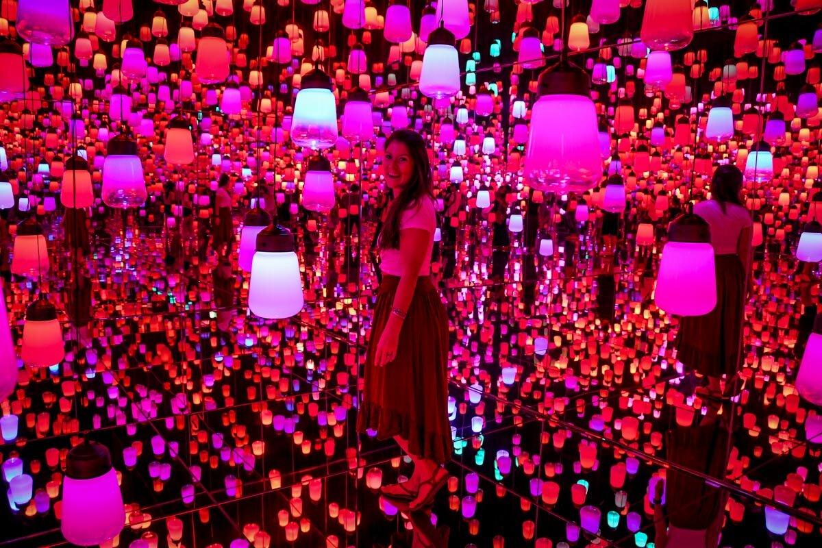 teamLab Borderless Tokyo Guide Resonating Lamps