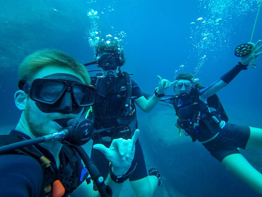 Liveaboard Diving Trip | Diving with our guide in the Similan Islands
