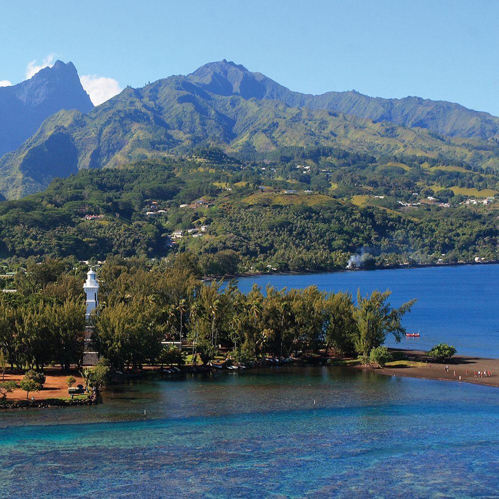 tahiti-black-sand.jpg