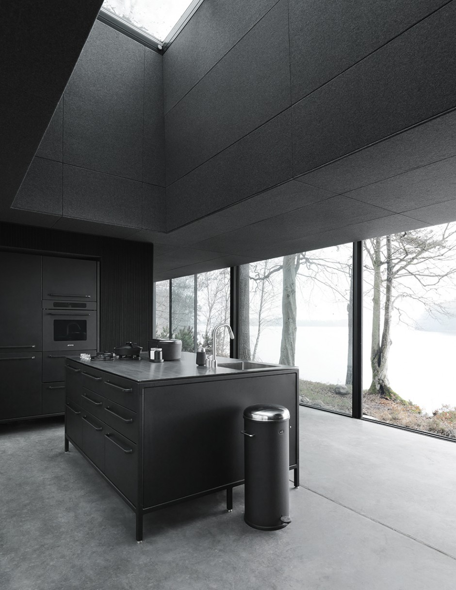 vipp701-shelter-kitchen-living02-low.jpg
