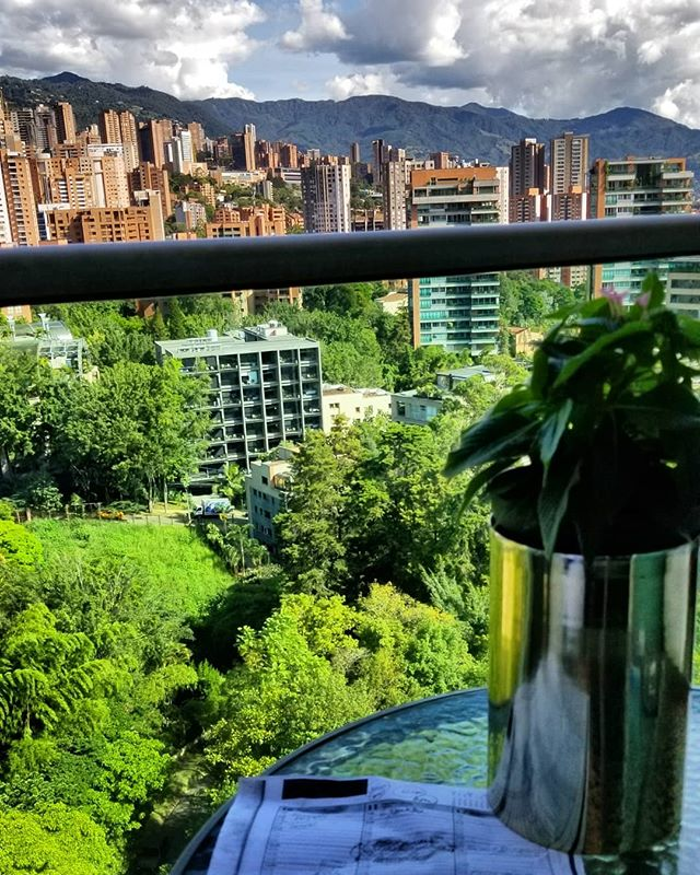 Taking a holiday here in beautiful Medellin, Colombia!  Still getting some scheduling done, work never stops. . . . . . .  #housefit_toronto #medellin #colombia #personaltraining #personaltrainingtoronto #personaltrainer #torontotrainer #torontogyms #the6 #toronto #torontolife #yyz #thesix #tdot #416 #northyork #fitfam #instafit #beforeandafter #beastmode #weightloss #exercise #train #diet #the6ix #fitness #instagram  #weightlosstransformation #transformation #gta