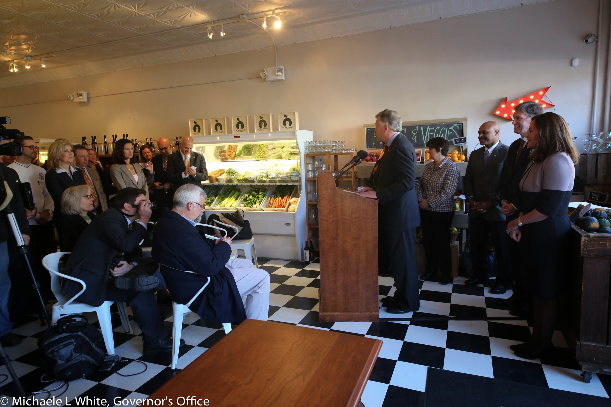 Signing ceremony at the Little House Green Grocery