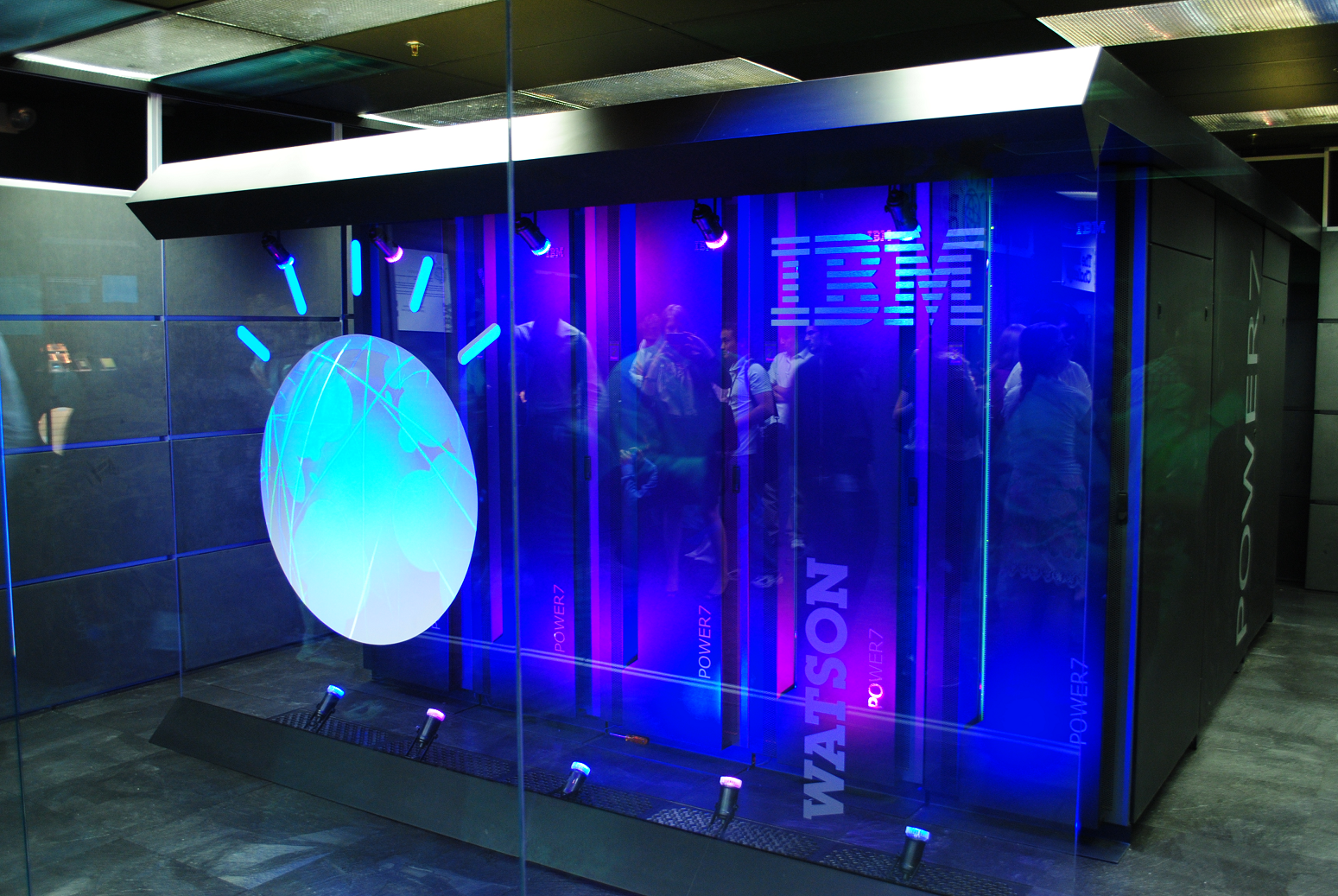 IBM will invest $240 million to create the MIT–IBM Watson AI Lab in a 10-year partnership with the MIT with the goal of propelling scientific breakthroughs that unlock the potential of AI. - Photo:Clockready / Wikimedia Commons.