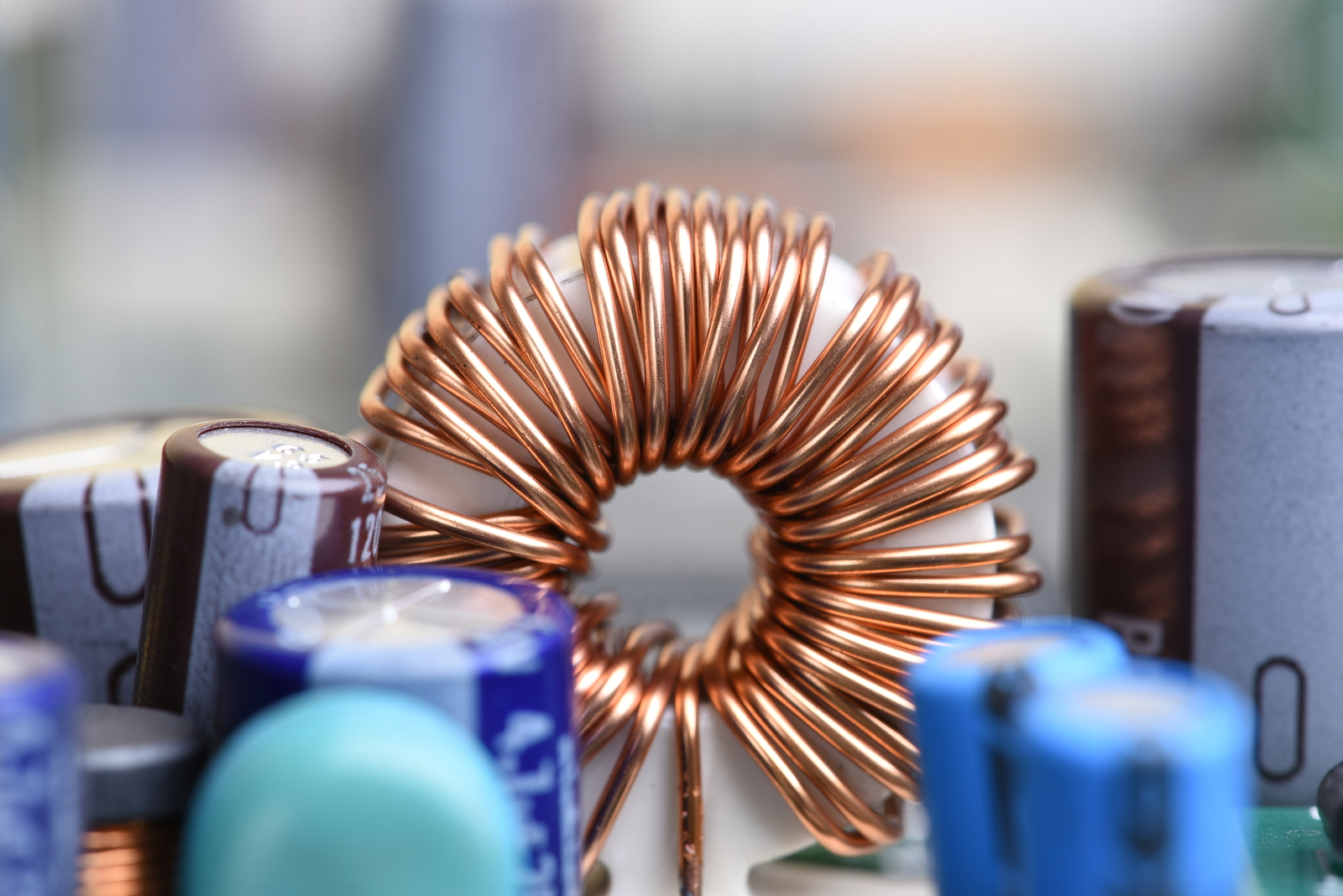 The teaching and understanding of electromagnetism require a broad abstraction that is why we must perform activities that help students better assimilate and relate the concept. -