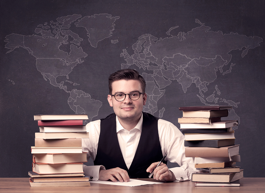 Study reveals that undergraduate students do not evaluate teachers who do research with high scores. Unlike master's degree students who do qualify them well. - Photo: bigstock.com