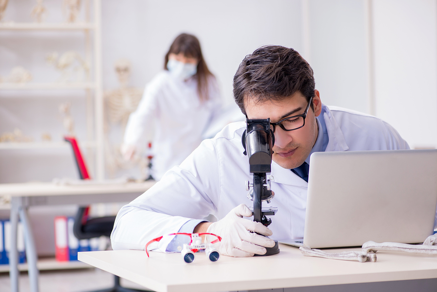 A study reveals that active learning, interactive strategies, and solid assessment are key for effective learning in online STEM courses. - Photo: BigStock