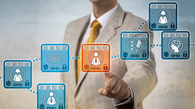 Executives think blockchain will disrupt how transactions work; however, it is necessary it connects with other technologies such as artificial intelligence or cloud services. - Image: Bigstock