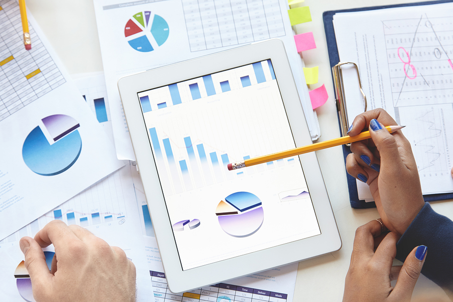 With the help of data analysis, teachers can measure, improve and adapt their practices and educational content, as well as better understand the performance of their students. - Image: Bigstock