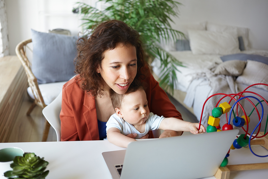 MotherCoders activities are designed for moms currently caring for at least one child 17 years old or younger, who are re-entering the workforce, entrepreneurs, or moms already working. - Image: Bigstock.