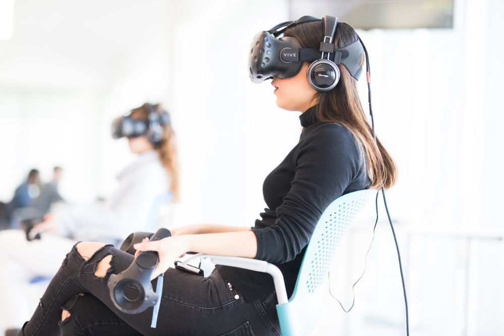 Students from different campuses interact in formal classes with Virtual Reality. - Photo: Tecnológico de Monterrey