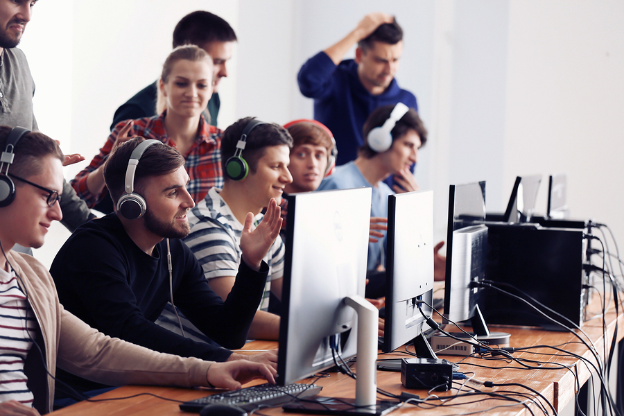 Higher Education institutions are adapting to train the growing number of professionals needed in the video games industry. - Photo: Bigstock.