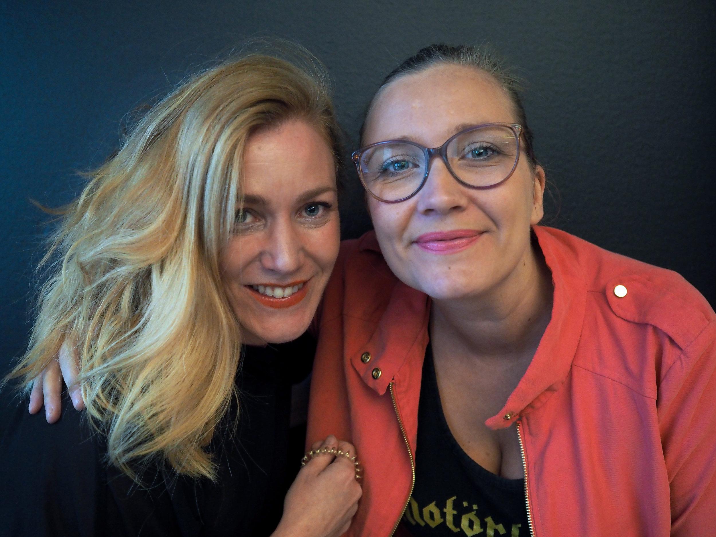 Karin (left), me (right)