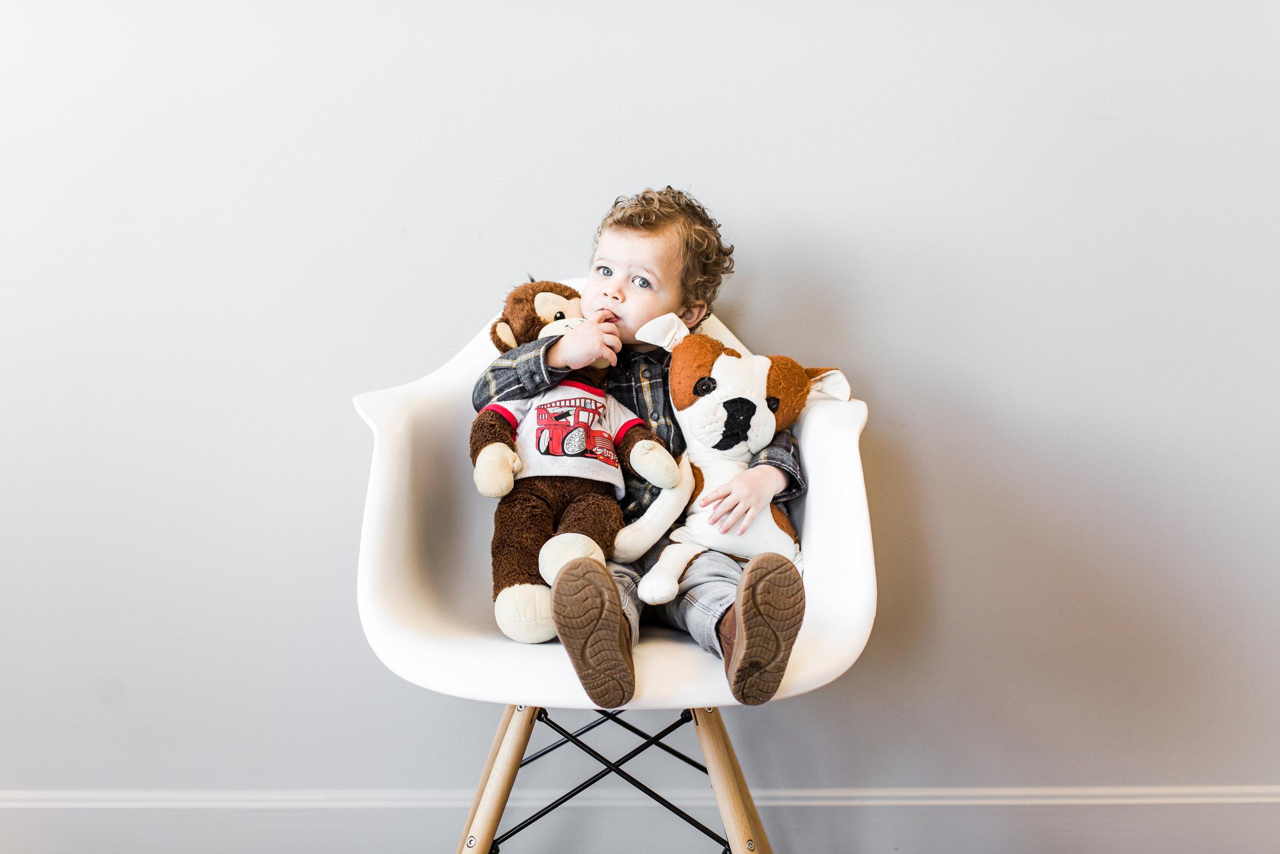 White Chair Mini Sessions - February 2, 2019HAP Studio - 334 E. Commercial St. Springfield, MO 65803 Suite 2029AM - 12PMContact Hannah for details.