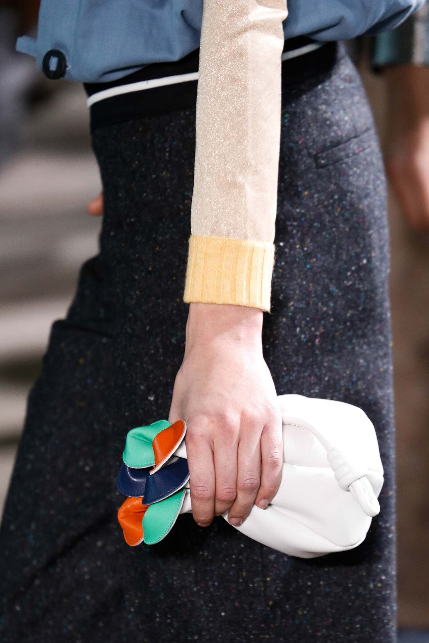 03-02-accessories-trends-fall-2015-daytime-clutch.jpg