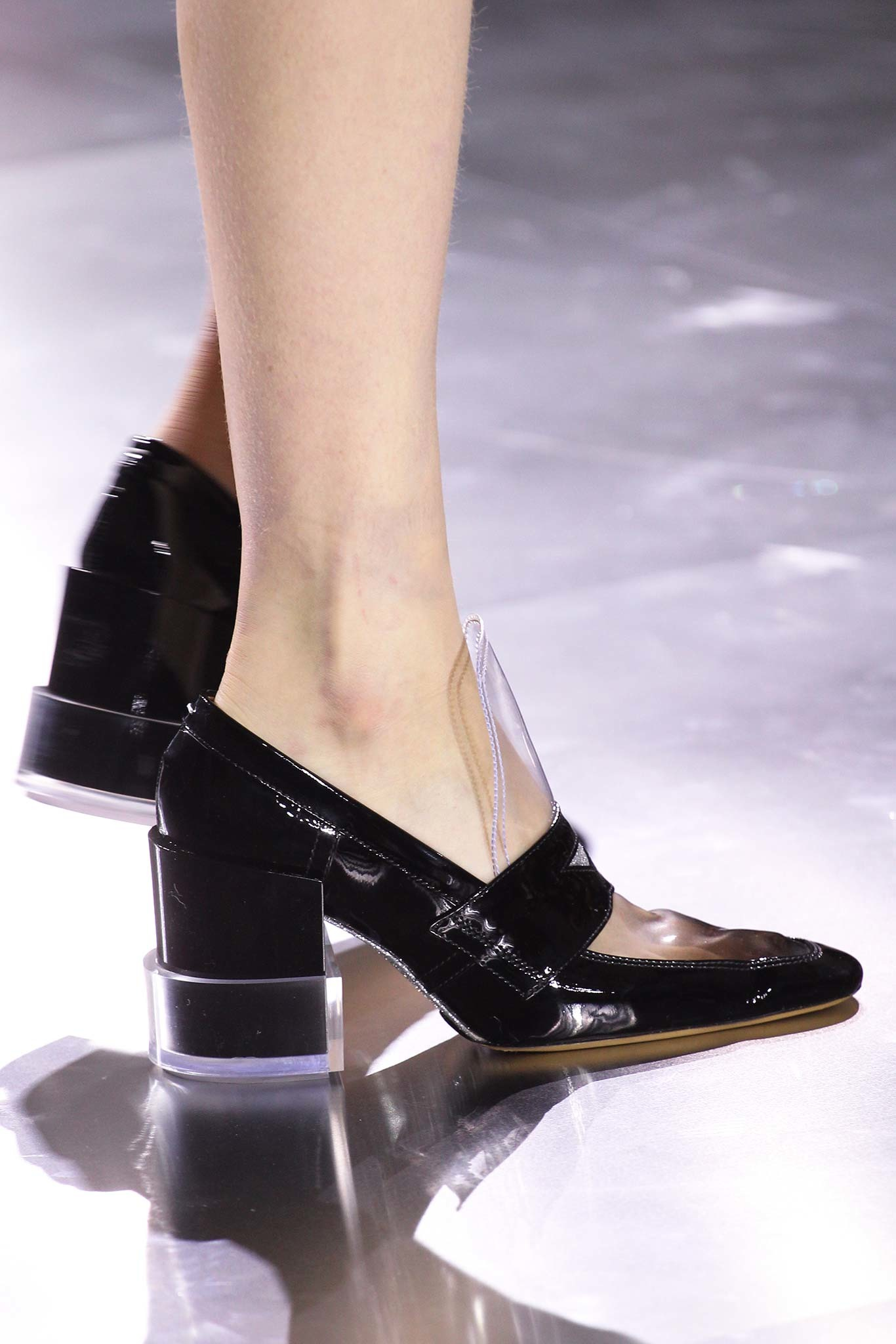 04-03-accessories-trends-fall-2015-lucite-heel.jpg