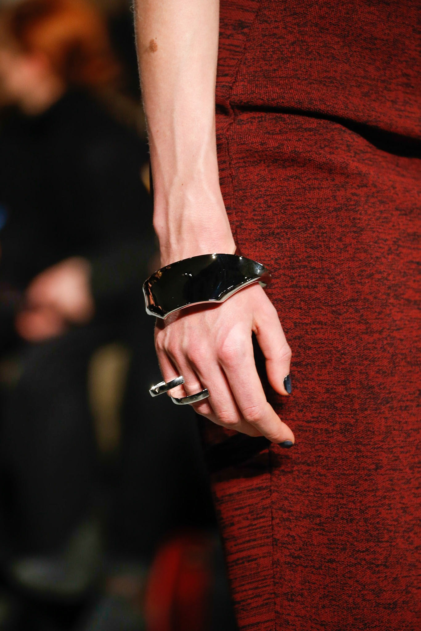 05-02-accessories-trends-fall-2015-modern-metal.jpg
