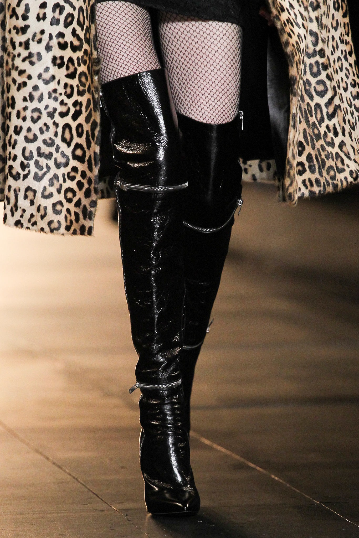 06-02-accessories-trends-fall-2015-thigh-high-boots.jpg