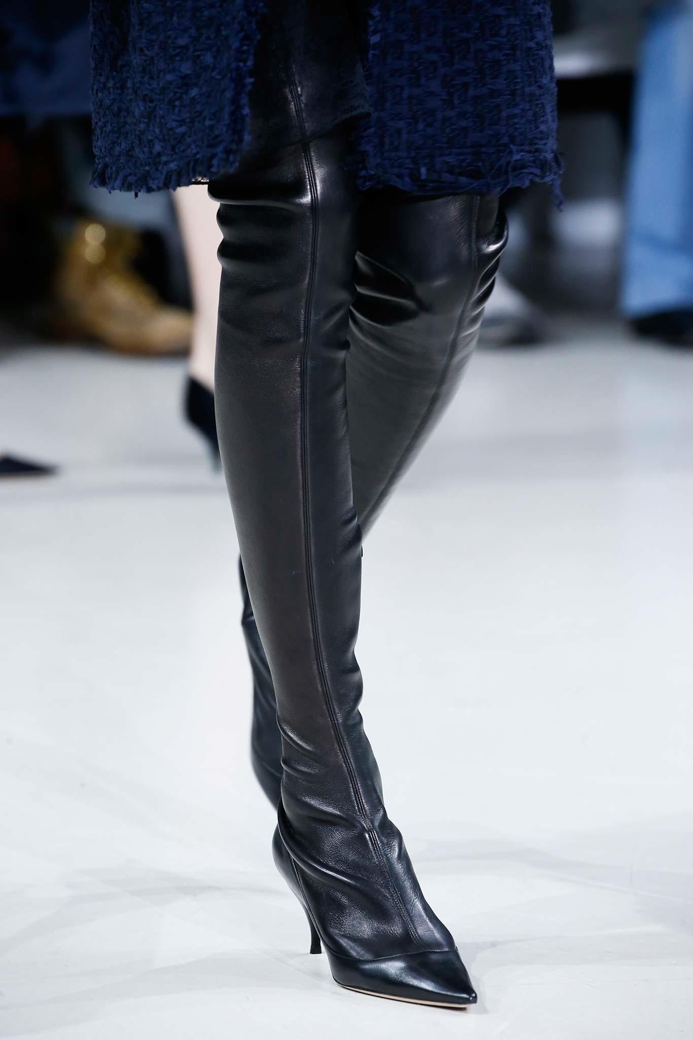 06-05-accessories-trends-fall-2015-thigh-high-boots.jpg