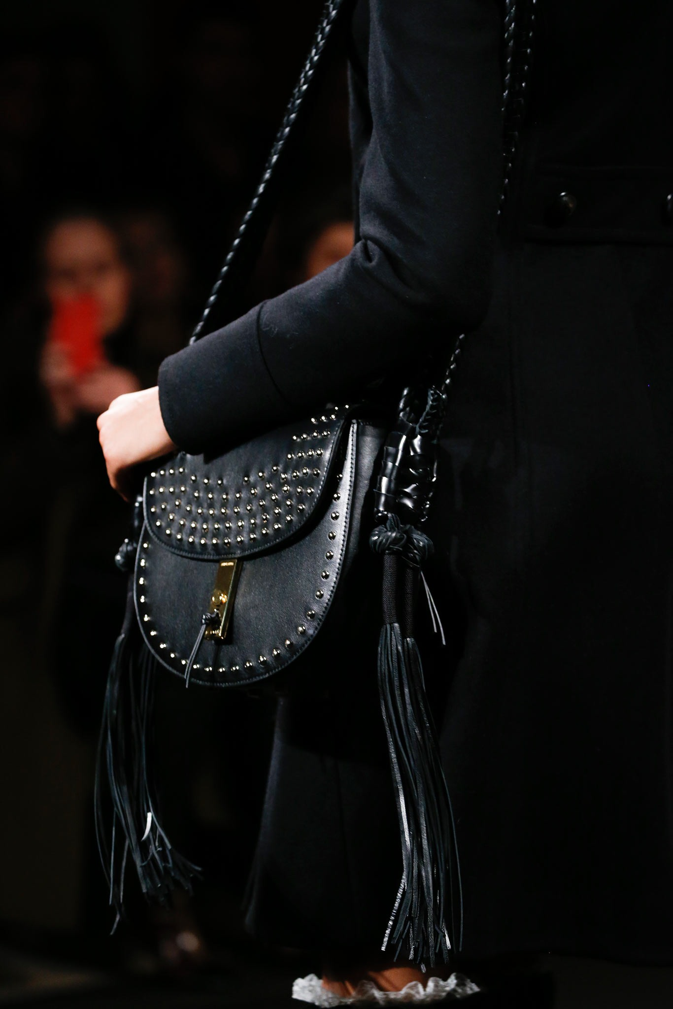 07-02-accessories-trends-fall-2015-tassels.jpg