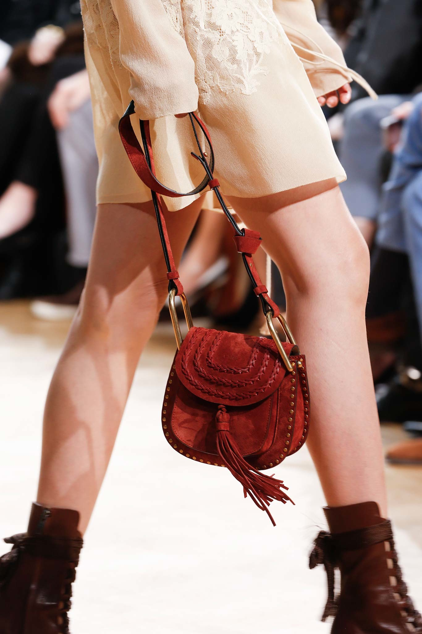 07-03-accessories-trends-fall-2015-tassels.jpg