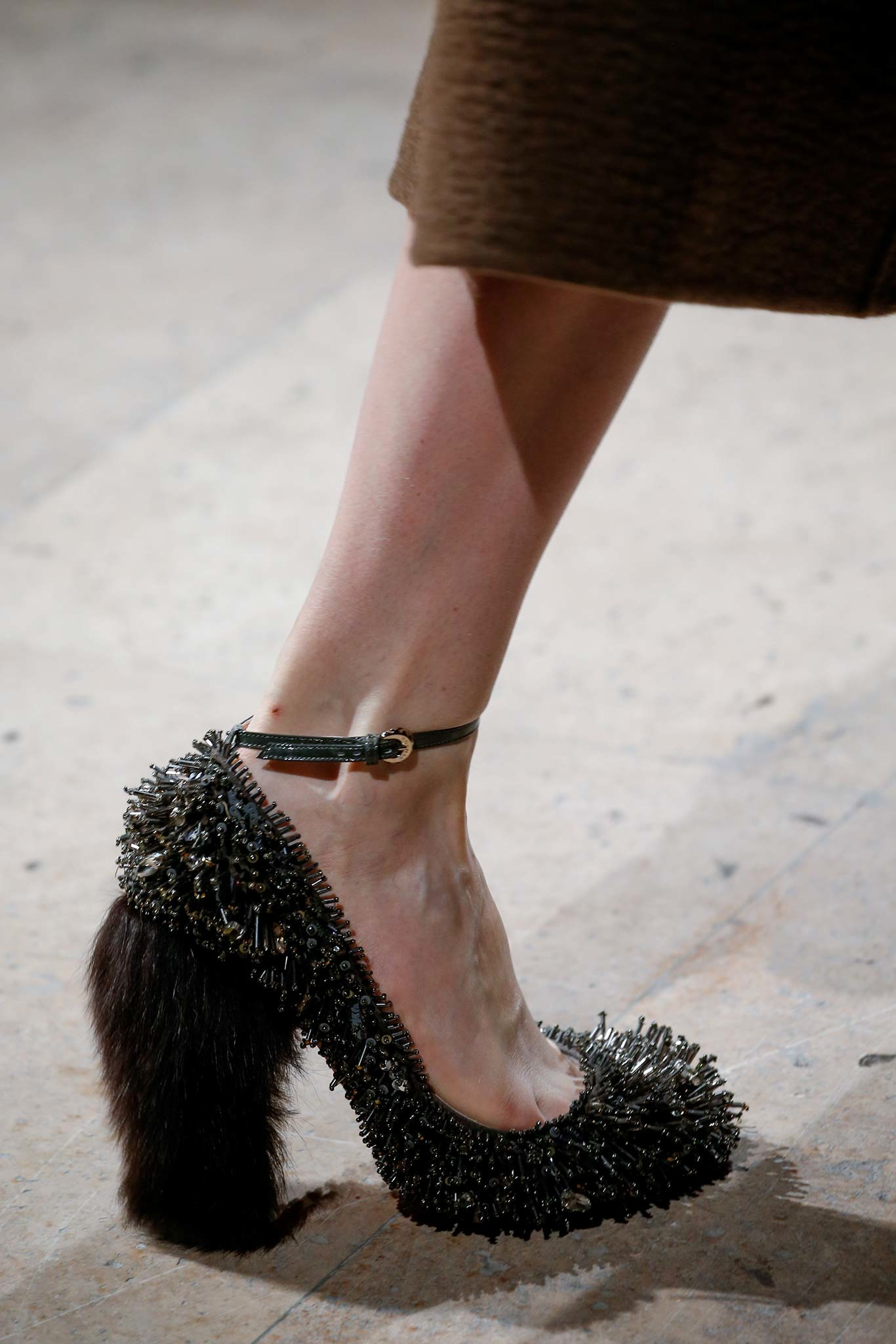 10-02-accessories-trends-fall-2015-mary-janes.jpg