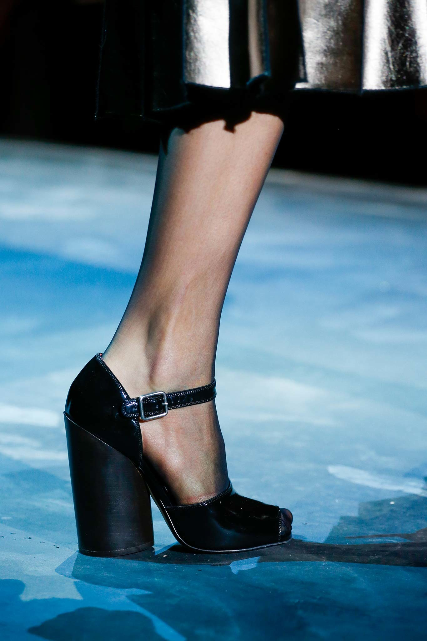 10-03-accessories-trends-fall-2015-mary-janes.jpg