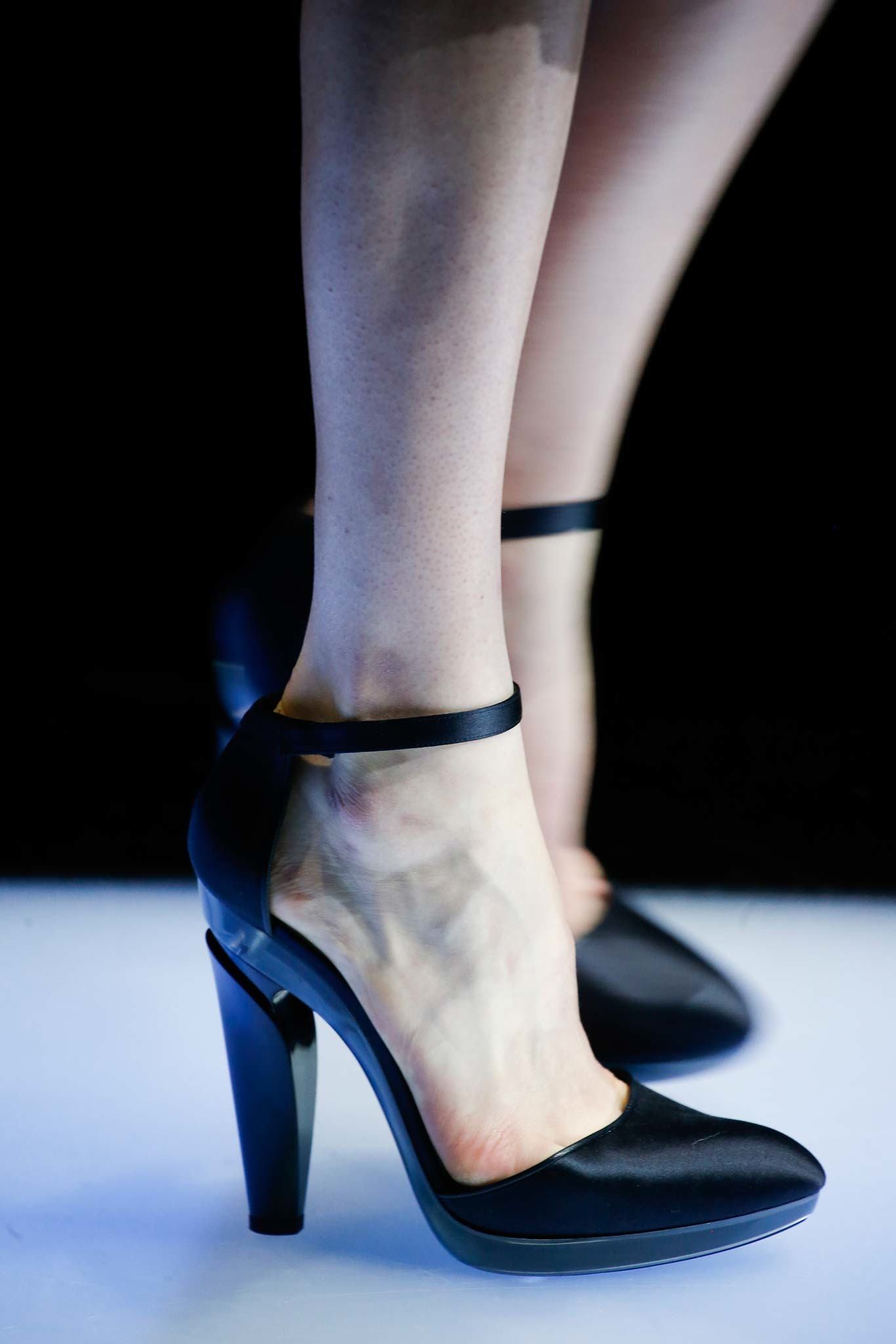 10-05-accessories-trends-fall-2015-mary-janes.jpg