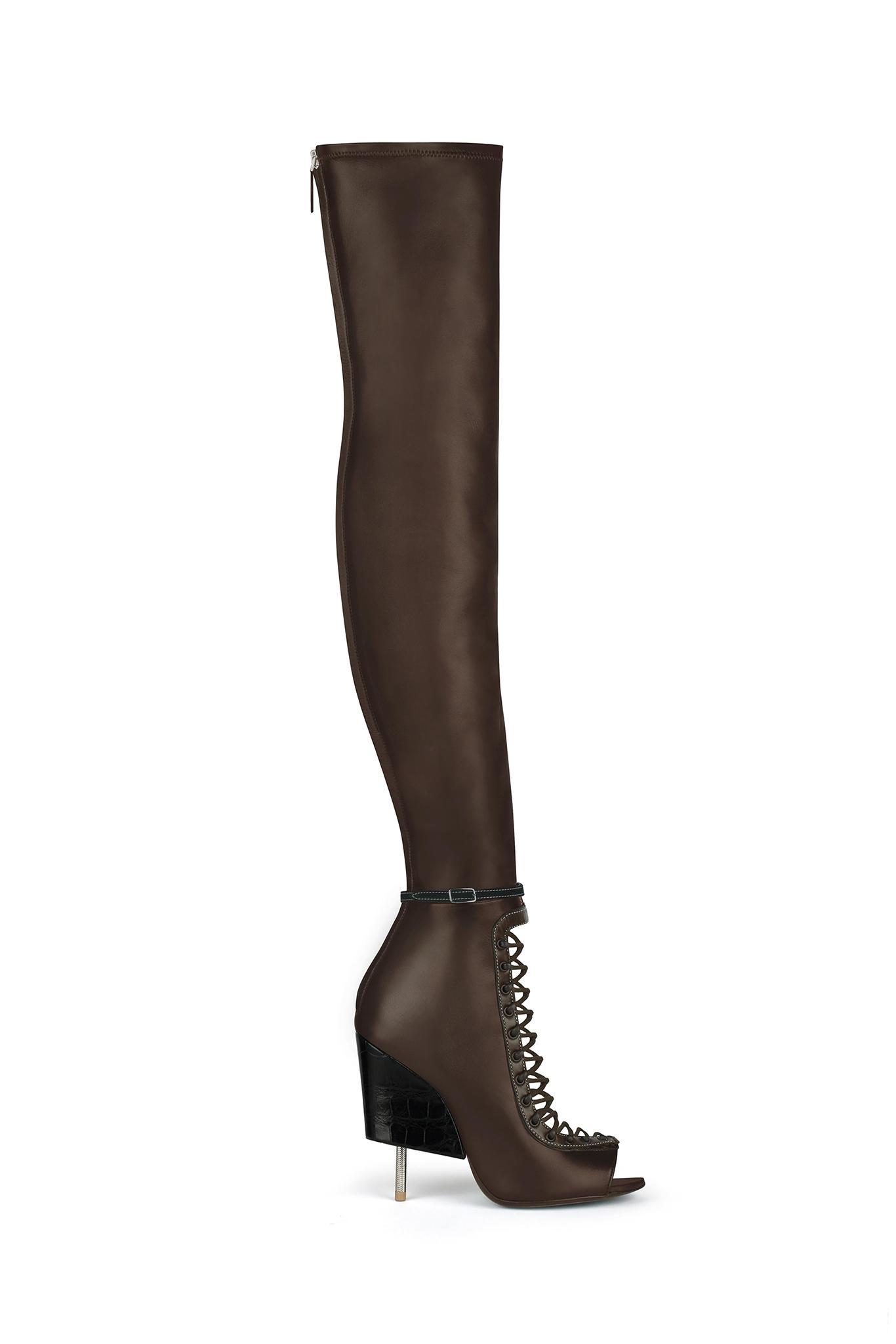 03-01-heeled-gladiator.jpg