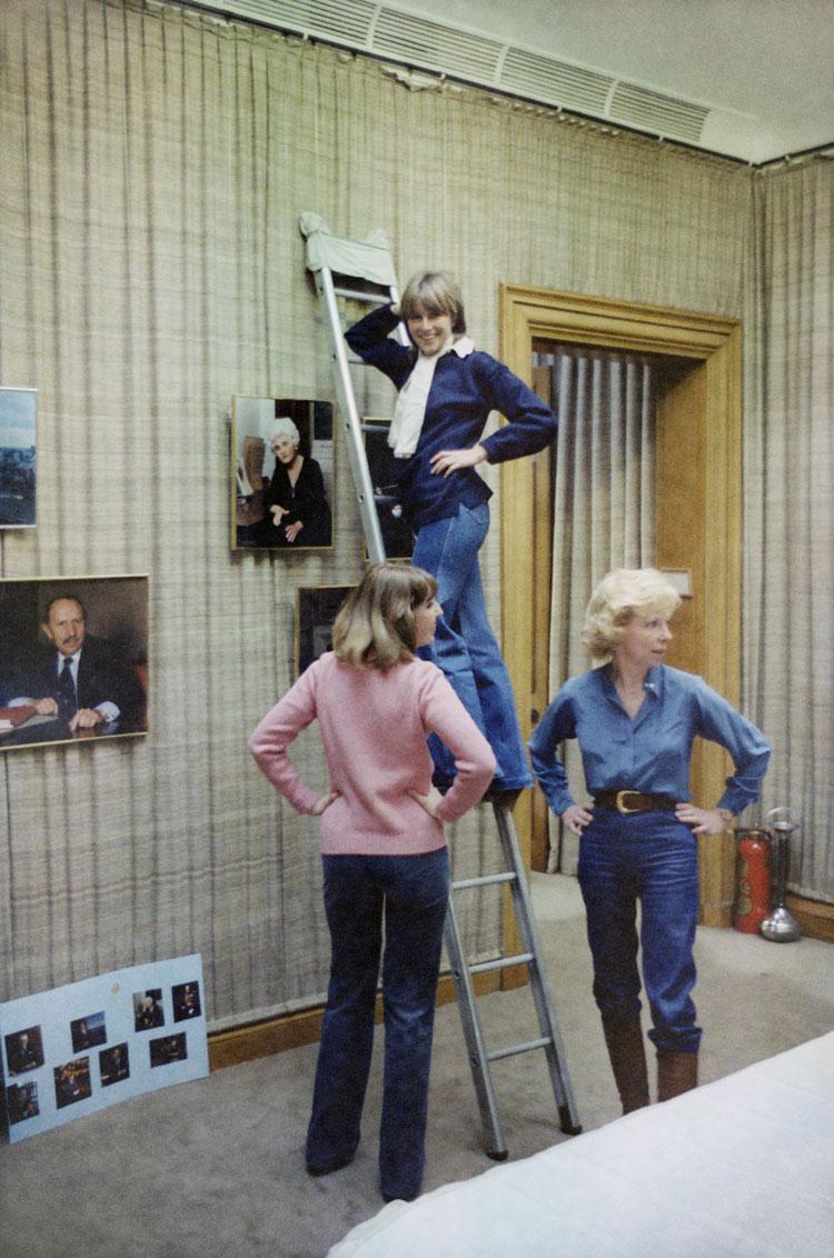 Woman-on-Ladder-3-2.jpg