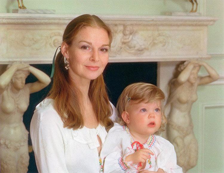 Dame Antoinette Sibley and Eloise Sibley (b. 1939; b. 1975) |  More Information