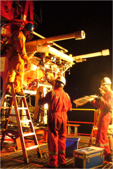 OFG-magnetometers-on-a-T200-class-ROV---night-ops_1-1.png