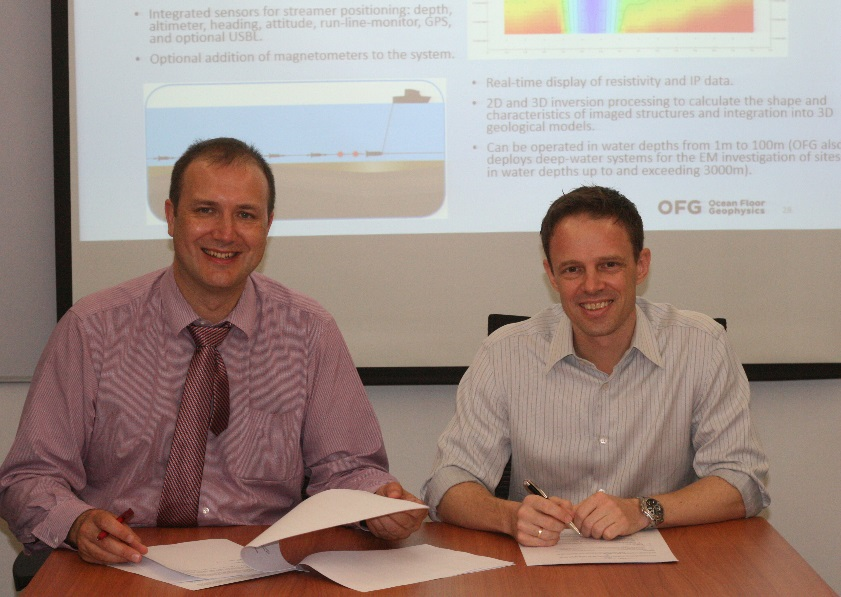 Signing of agency agreement in Salcon Petroleum Services office in Kuala Lumpur, Malaysia, on April 27, 2016; Matthew Kowalczyk (CEO, OFG) and Thomas Sjoberg (CEO, SPS)