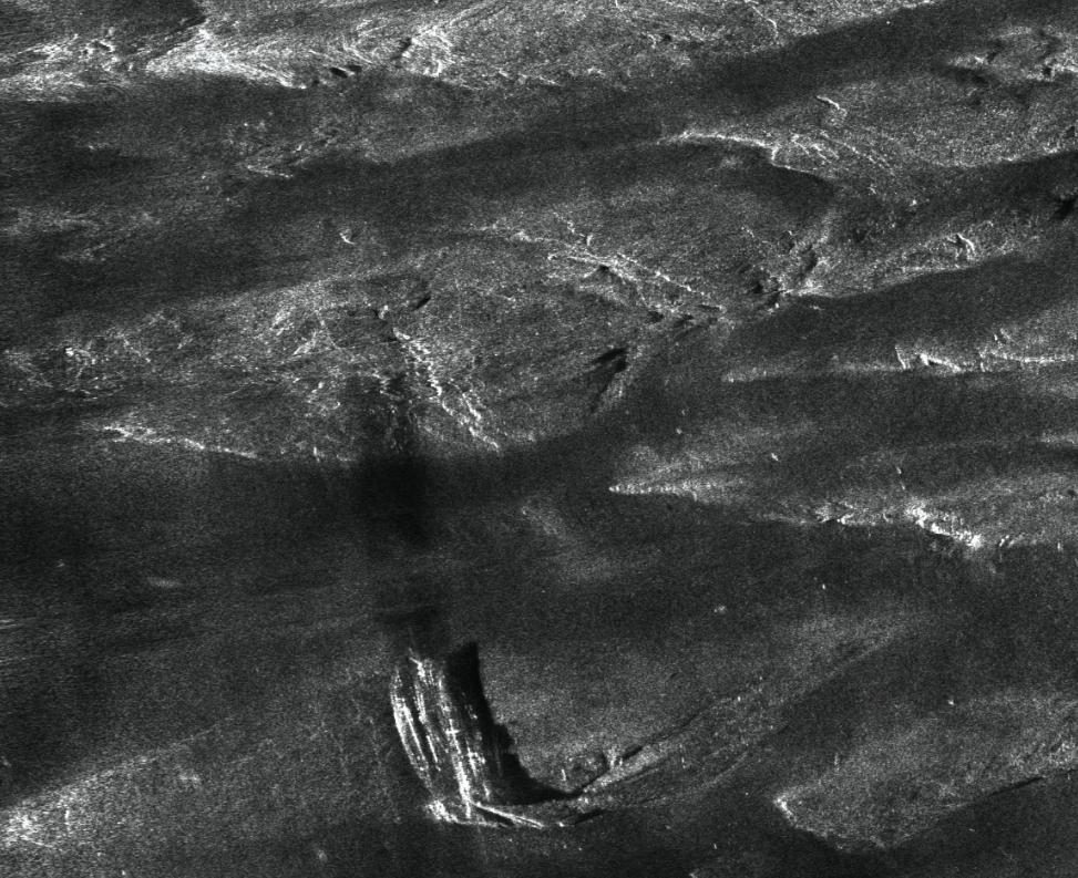 Figure 5 HISAS image of 15 metre long wreck resting on exposed bedrock.