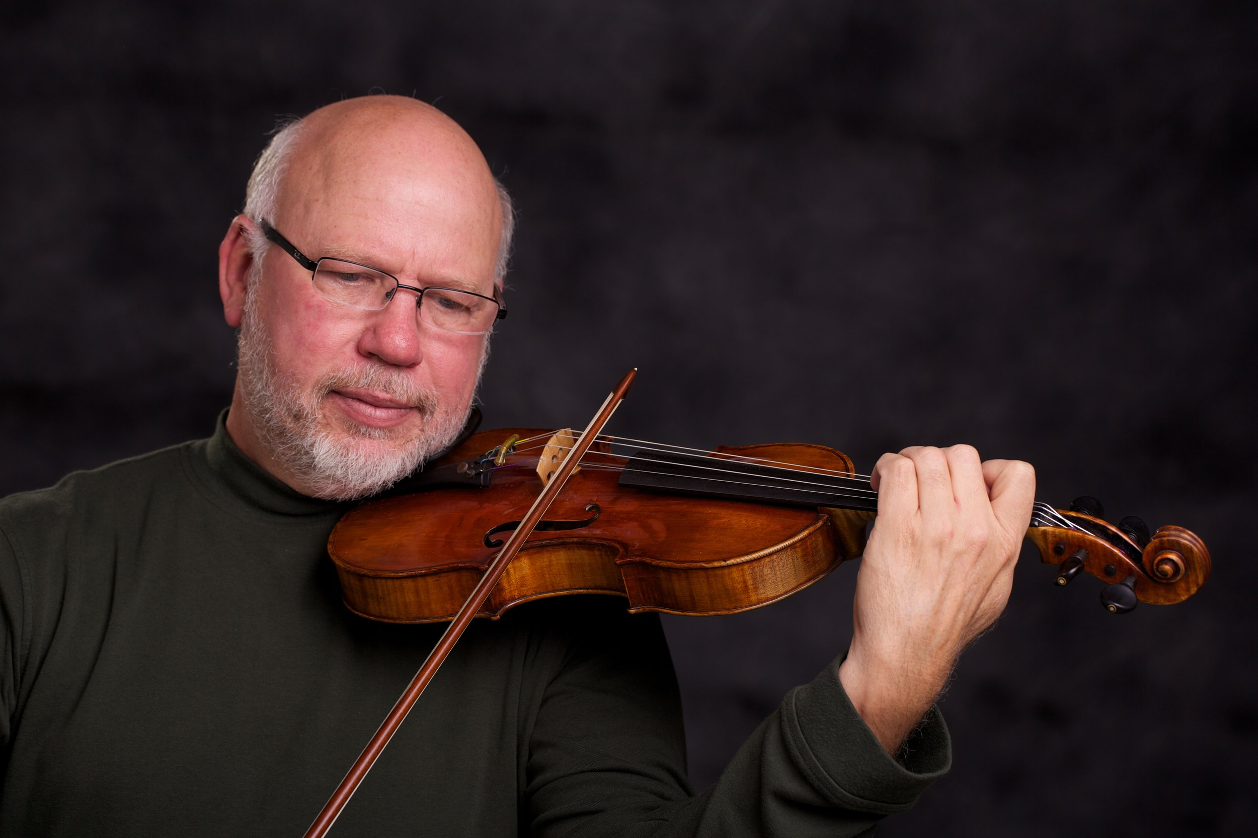 Violinist Steve Bjella