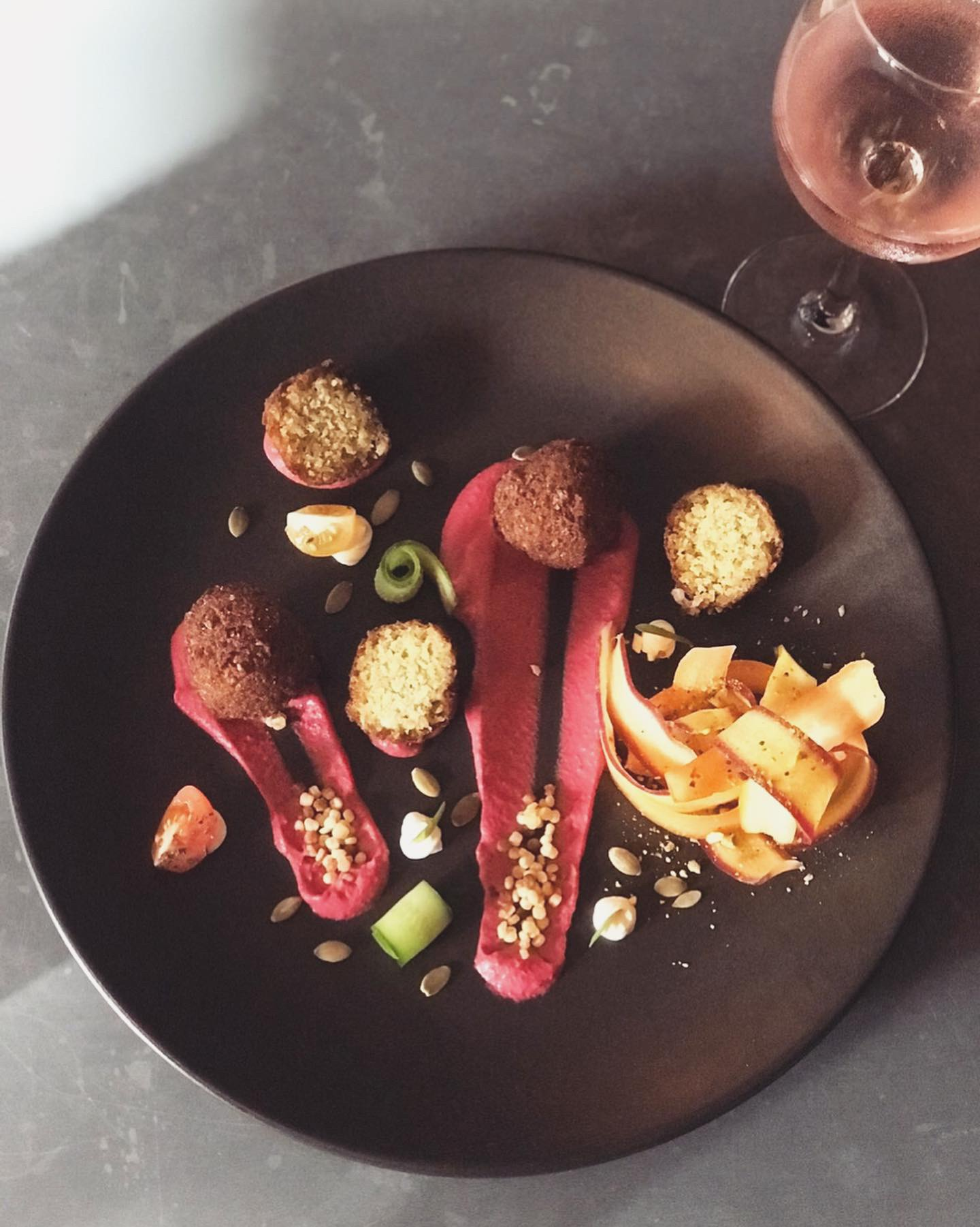 22-28 May - This week Mediterranean cuisines meet at Macchiato. This is our take on a middle eastern infused 🌱 Vegan board.Chickpea falafels, beetroot hummus, heirloom carrots, olives, cucumber and vegan labneh.