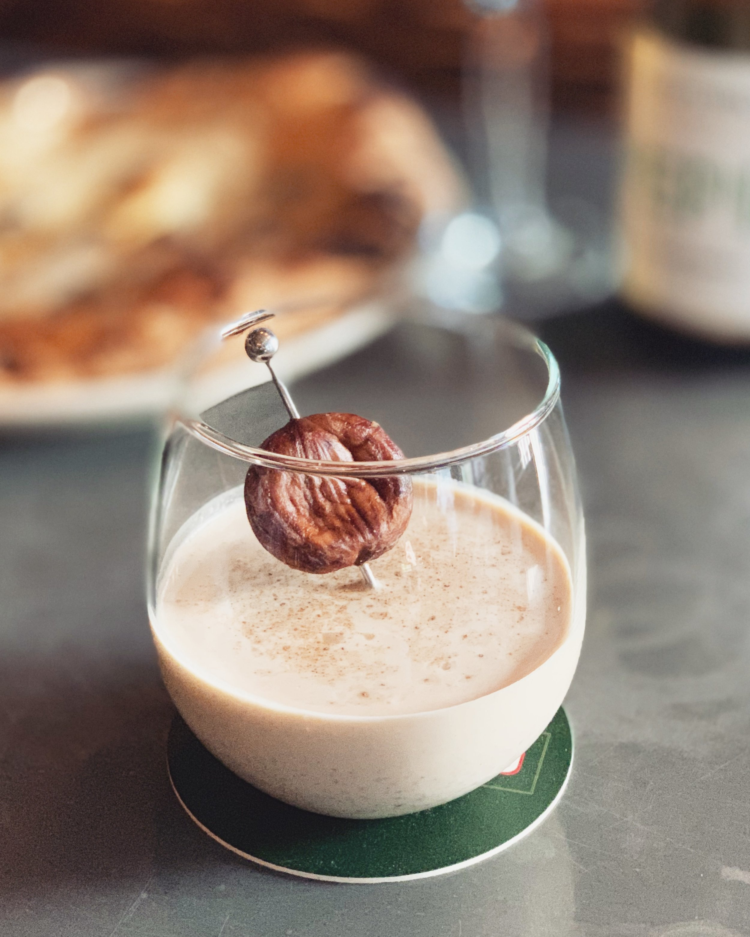 19-24 June - Our specials have a common theme this week: chestnut 🌰. ~Homemade sugared chestnuts, Hennessy, Glenlivet, Baileys, cream and nutmeg.~This cocktail is the paradigm of a winter cocktail - which you can also have as your liquid dessert - 🤫.
