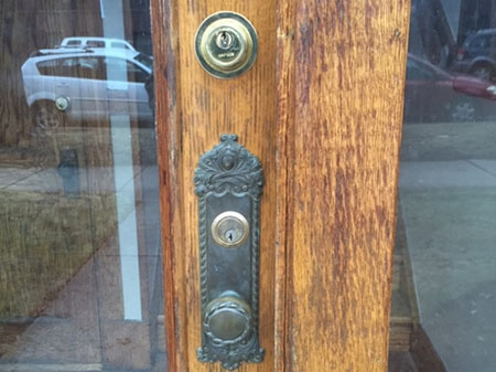 The two keyholes were not something Manasia ever expected to see on a door in his Chicago neighborhood. ( Photo courtesy ofRaymond Manasia)