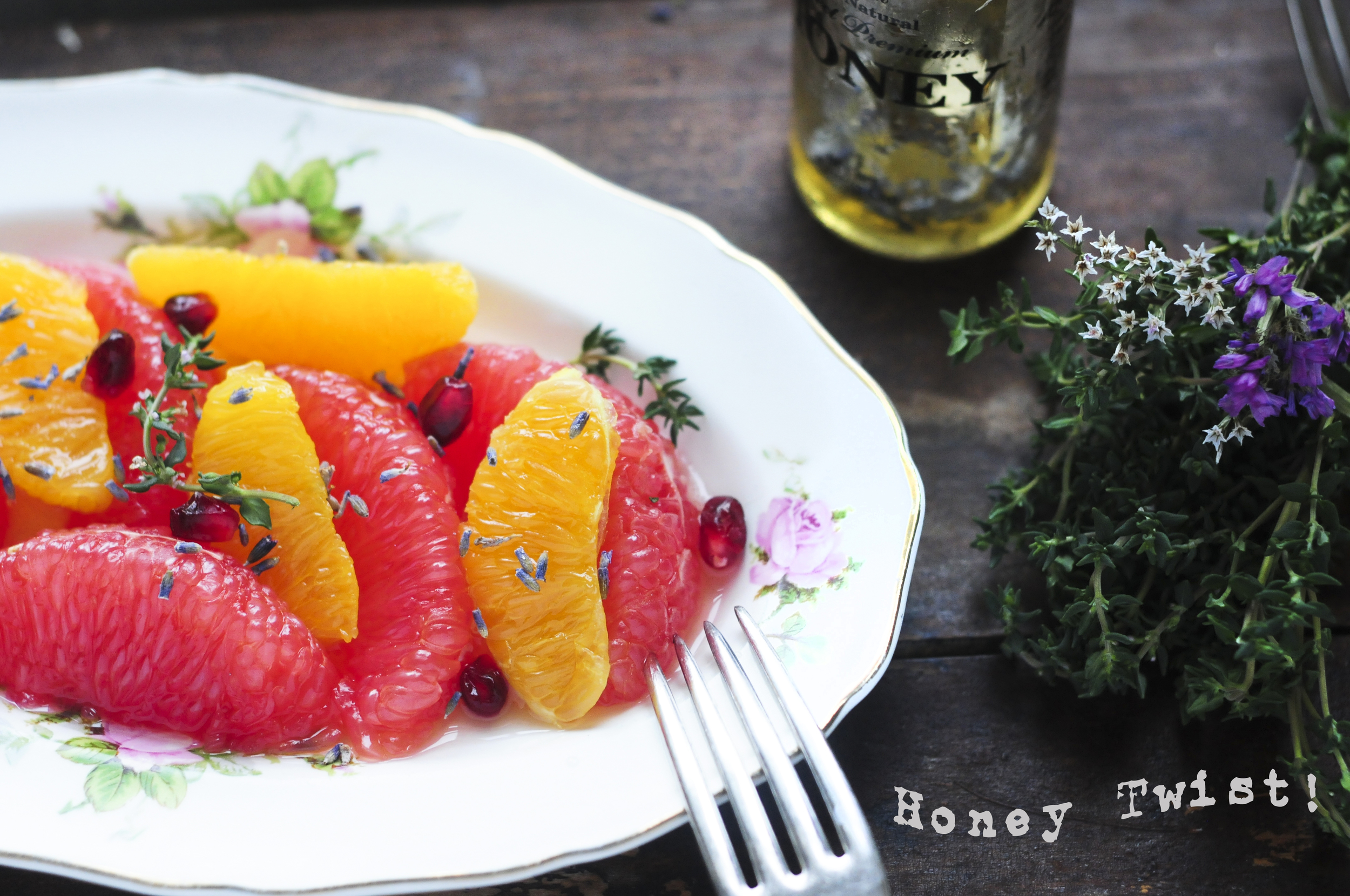 a.big.honey.twist.grapefruit.orange.lavender.pomegranate.thyme.salad.bee.DSC_3328.jpg