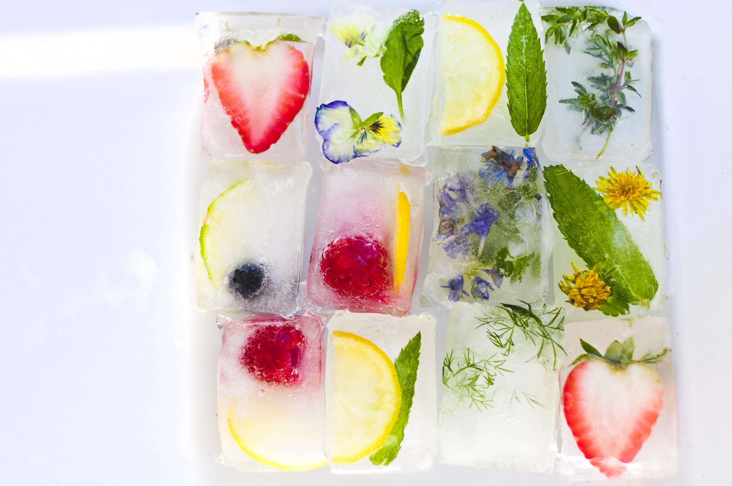 a.big.ice.cubes.drink.herb.berry.herb.lemon.berry.detox.forest.food.DSC_9132.jpg