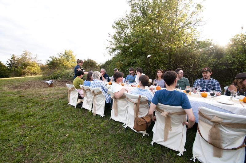 a.800.enos.farm.harvest.dinner.outside.DSC_2002.jpg