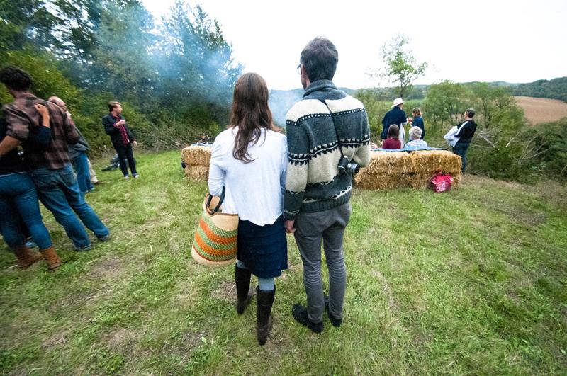 a.800.enos.farm.harvest.moon.dinner.outside.campfire.DSC_2145.jpg