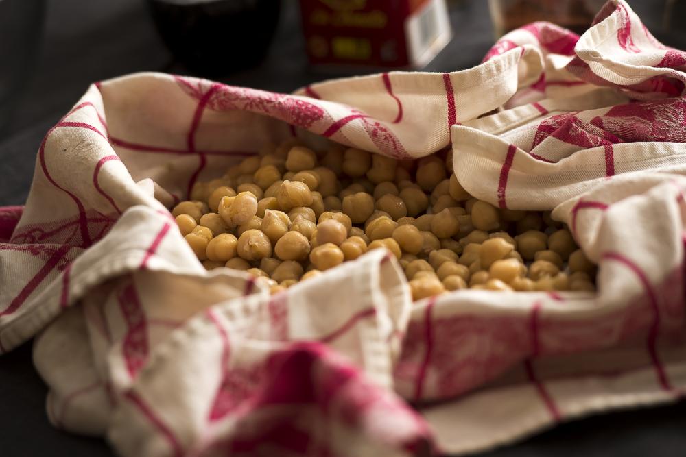 FAT-Spice-Roasted-Chickpeas-101.jpg