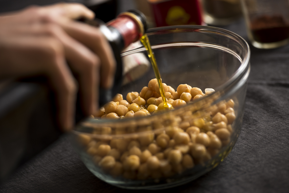 FAT-Spice-Roasted-Chickpeas-102.jpg