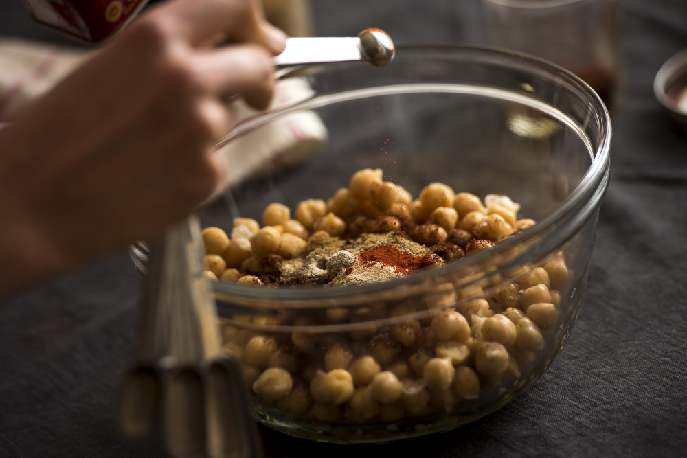 FAT-Spice-Roasted-Chickpeas-104.jpg