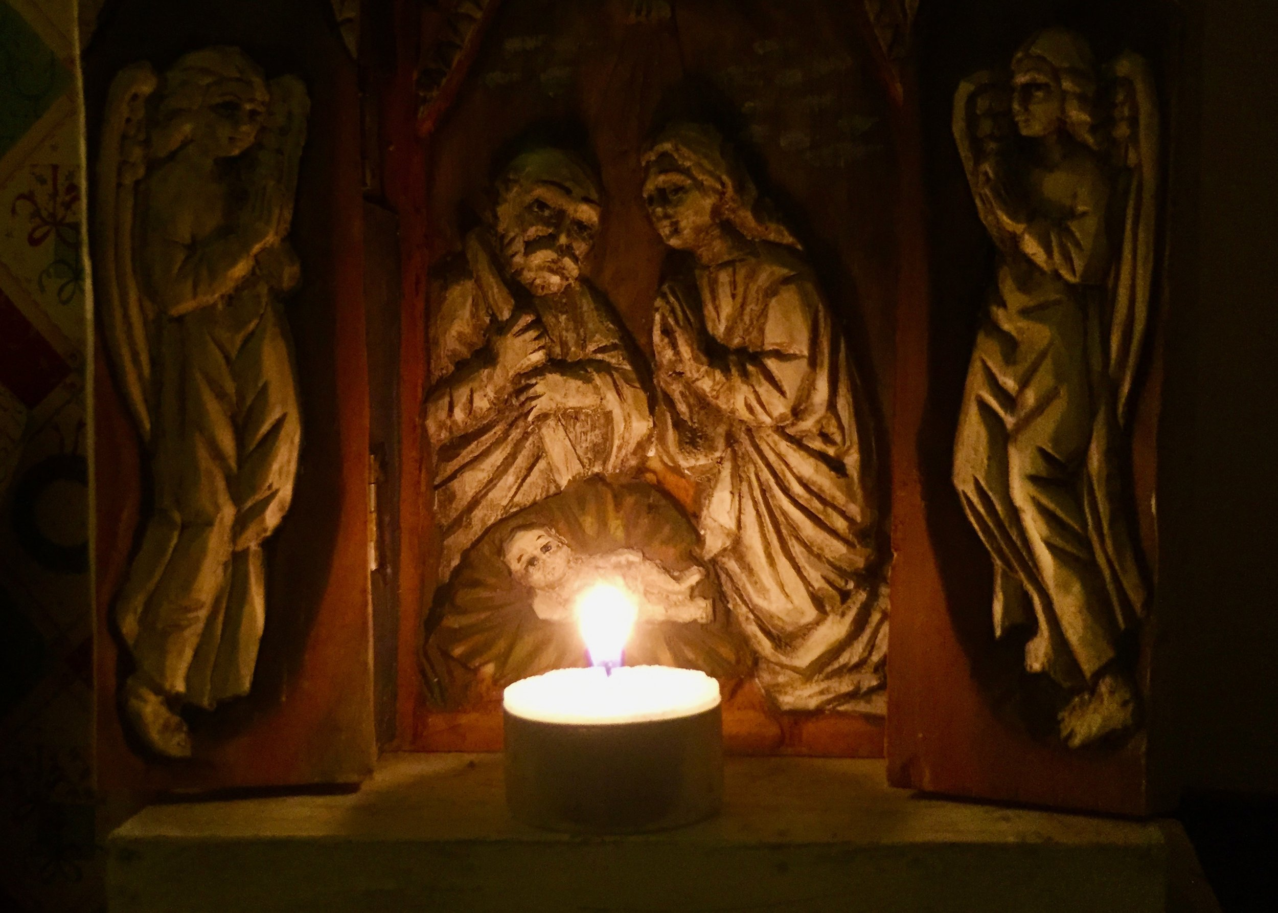 (c) A. Furchert: The manger scene in the robes of our Christmas angel