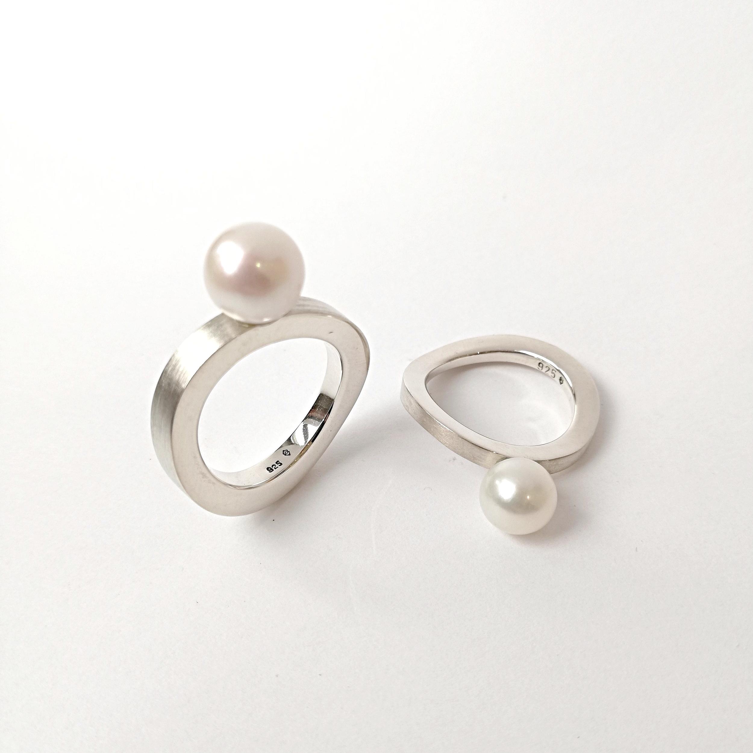 Ring No.10 - Süsswasserzuchtperle / Silber 925breit Fr. 280.00schmal Fr. 250.00