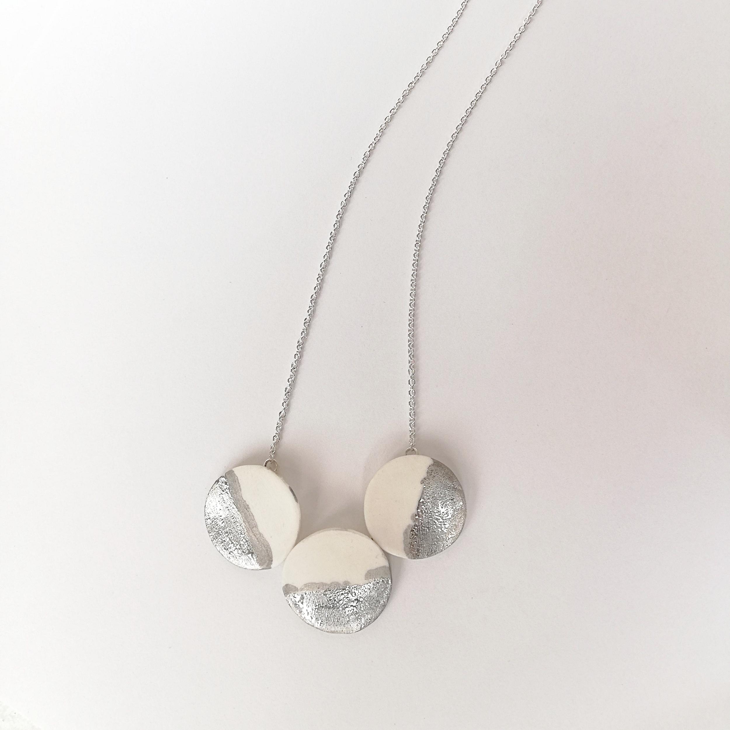 Halsschmuck No.8 - Porzellan mit Platindekor / Silber / Fr. 198.00