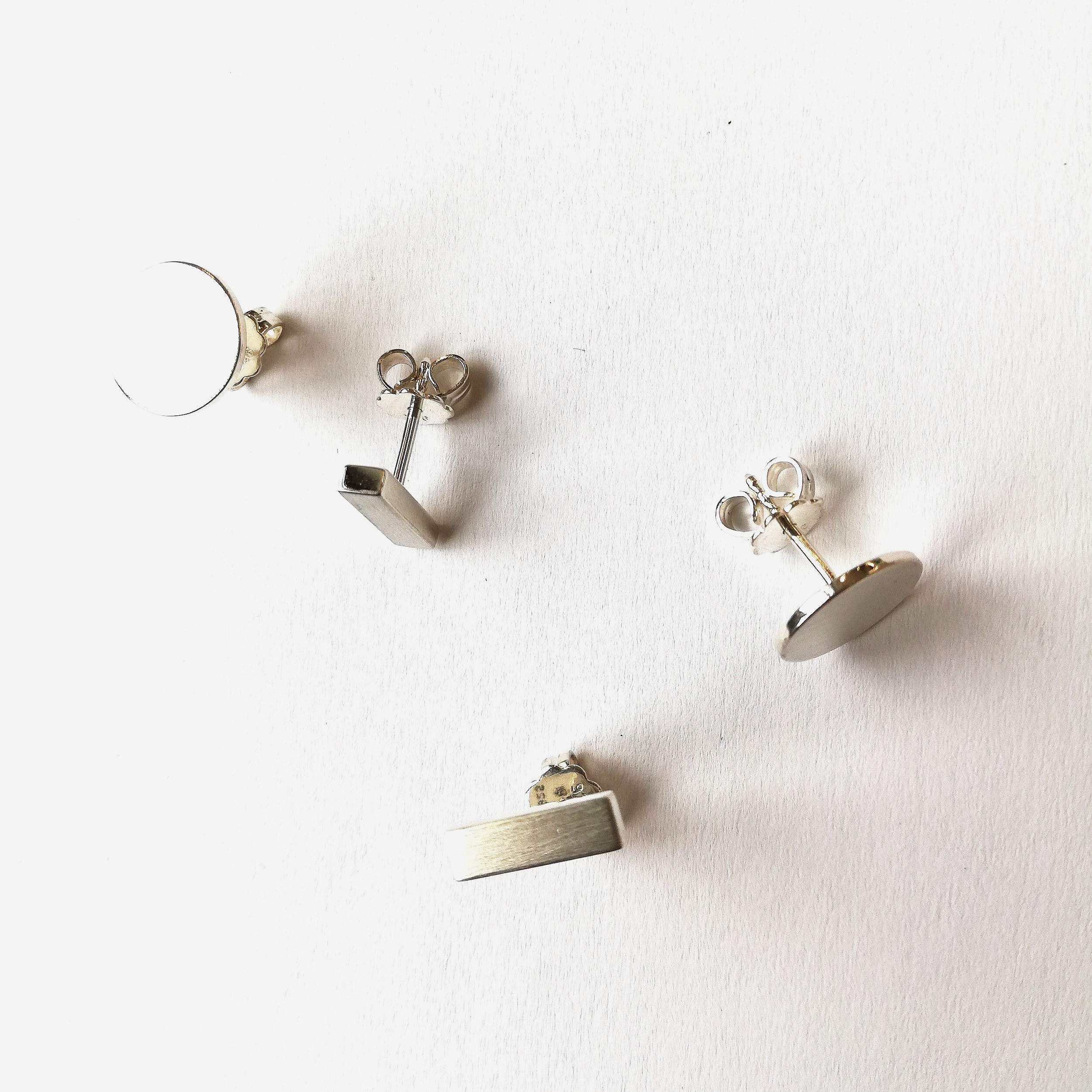 Ohrschmuck No.9 - Silber 925Rund: Fr. 65.00 / Lang: Fr. 85.00auch in anderen Metallen erhältlich,Preise variierend