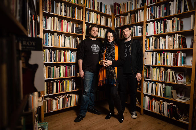 Ambrose Bye, Anne Waldman, and Devin Brahja-Waldman for Ajoblanco magazine. Photo by Ignacio Izquierdo. June 1, 2018.